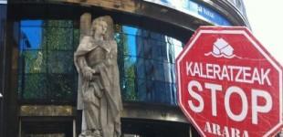 Una víctima de un desahucio demanda a Kutxabank por daños y perjuicios