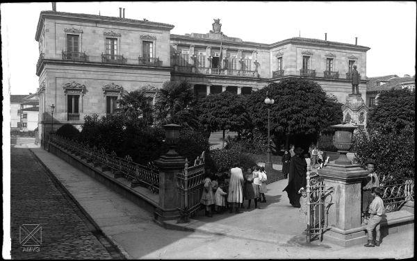 Anonimo. Hacia 1910. Plaza de la Provincia