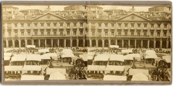 S.Vera-Fajardo.-1900.-Plaza-de-España (con cartel Viva Alfonso XII) Archivo Municipal
