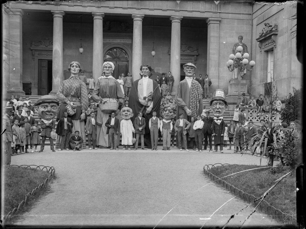 Gigantes y cabezudos_1917