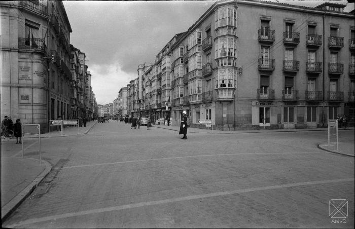 PAR-1623_1(3)+Autor J.M.Parra. Mar1957. Calle Dato