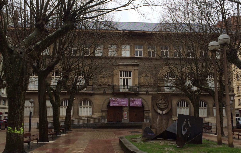 La escuela de artes y oficios cumple 240 a os y reclama su - Escuela de diseno vitoria ...