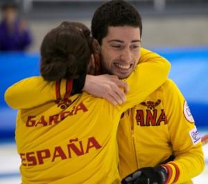 Sergio e Irantzu, tras conseguir la medalla de Bronca (Foto Federación Deportes de Hielo)