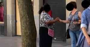 Detienen a una 'clavelera' por robar más de 1.000 euros a un turista en Palma