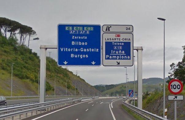 Señal de desvío a la N1 por Etxegarate en Gipuzkoa.