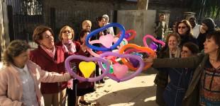 Niños y mayores del Casco Viejo participan en un Lip Dub por la convivencia