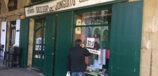 Tejidos Junguitu abandona su tienda centenaria entre la Virgen Blanca y la Plaza de España