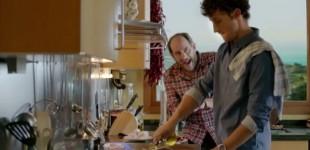 El Vitoriano Karra Elejalde se mete a cocinero de gulas