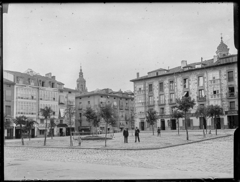 La antigua plaza de bilbao gasteiz hoy - Bilbao fotos antiguas ...