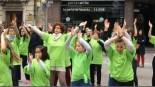 VÍDEO: Flashmob y batucada contra el Parkinson