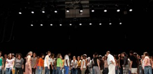 Se busca 100 personas para participar en la performance Atlas Gasteiz