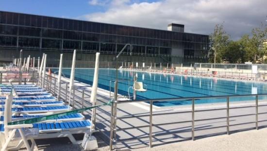 Las piscinas cubiertas volver n a cerrar en verano para su for Piscina zabalgana