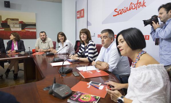pse-refrend- acuerdo-PNV-Vitoria-Gasteiz