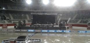 La tormenta sorprende a los vitorianos y al concierto de Los Brincos