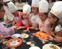 VÍDEO: 40 niños vitorianos cocinan en una 'prueba' de Masterchef Junior
