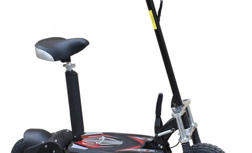El Ayuntamiento aclara por dónde y cómo puede circular un patinete eléctrico