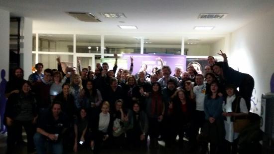 Los miembros de Podemos y Equo, en su sede de Manuel Iradier tras conocer los resultados