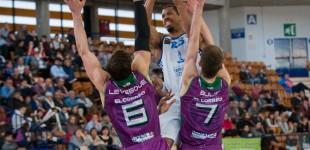 Araberri pone el 2-1 tras vencer en Tarragona