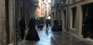 FOTOS: Un gigante de 2,42 devuelve a Vitoria al siglo XIX