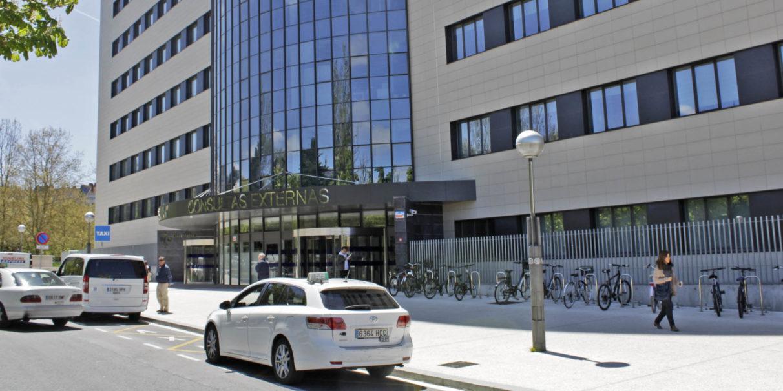 La Seguridad Social obliga al Ayuntamiento a cerrar al tráfico la calle de las Consultas Externas