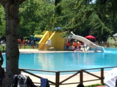 Sigue en estado cr tico el ni o rescatado en la piscina de for Cuando abren las piscinas