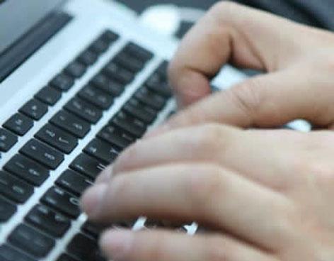 Kontsumobide denuncia la estafa de una empresa que vendía móviles y ordenadores