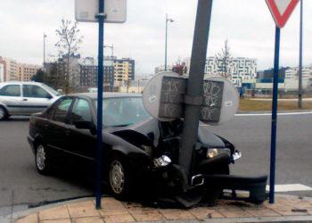 Nuevo accidente en una rotonda de Zabalgana
