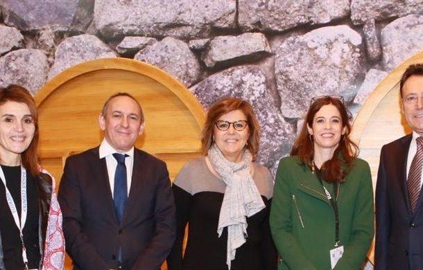 Matías Prats y María Escario venden Vitoria-Gasteiz en Fitur