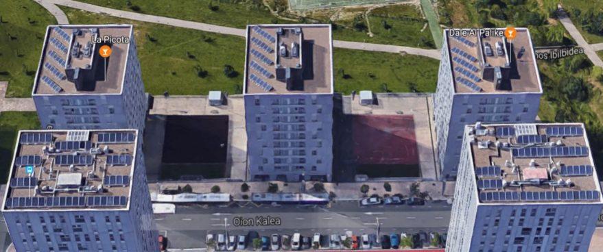 Edificios de viviendas con paneles solares en Zabalgana