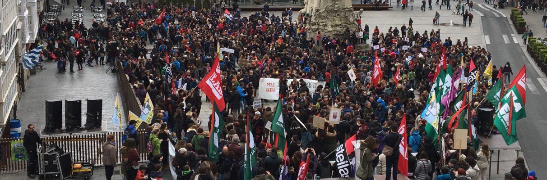 Colegios e institutos públicos paran por la huelga de profesores