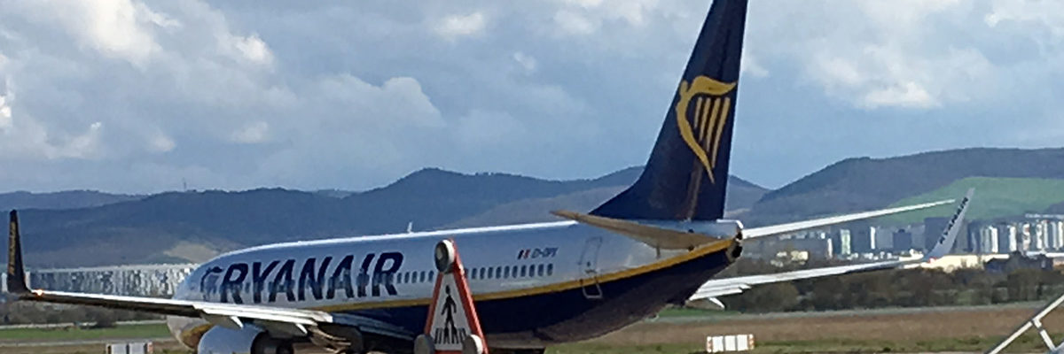 VÍDEO: Ryanair se estrena en Foronda con muchos italianos y vecinos de otras provincias