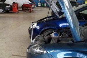 Los talleres ilegales de reparación de vehículos acumulan 50 denuncias desde 2014