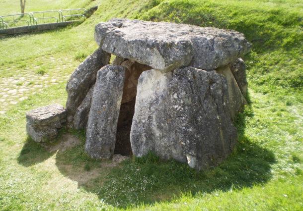 Termina la restauración del entorno del dolmen de Aizkomendi