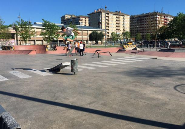 Gauekoak fusiona cocina y skate