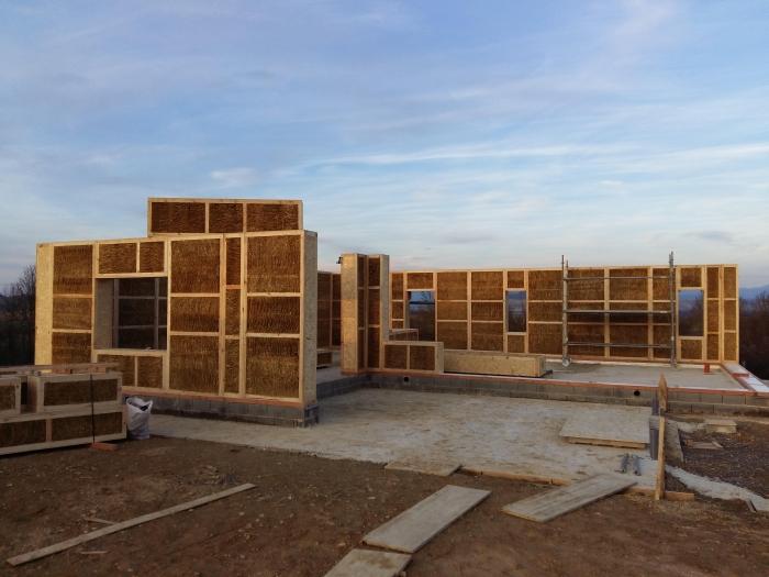 construcción-casa-paja
