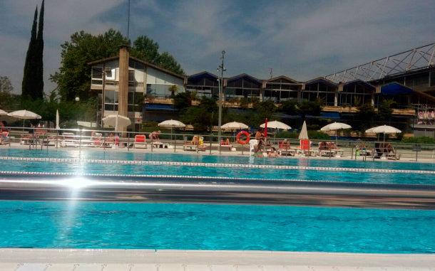Las piscinas de Mendizorrotza abrirán el 25 de mayo