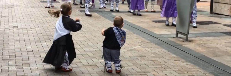 VÍDEO: Vitoria-Gasteiz vive el Día del Blusa