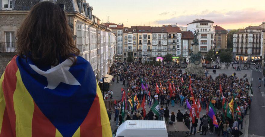 Manifestación en Vitoria Gasteiz contra la actuación policial en Cataluña