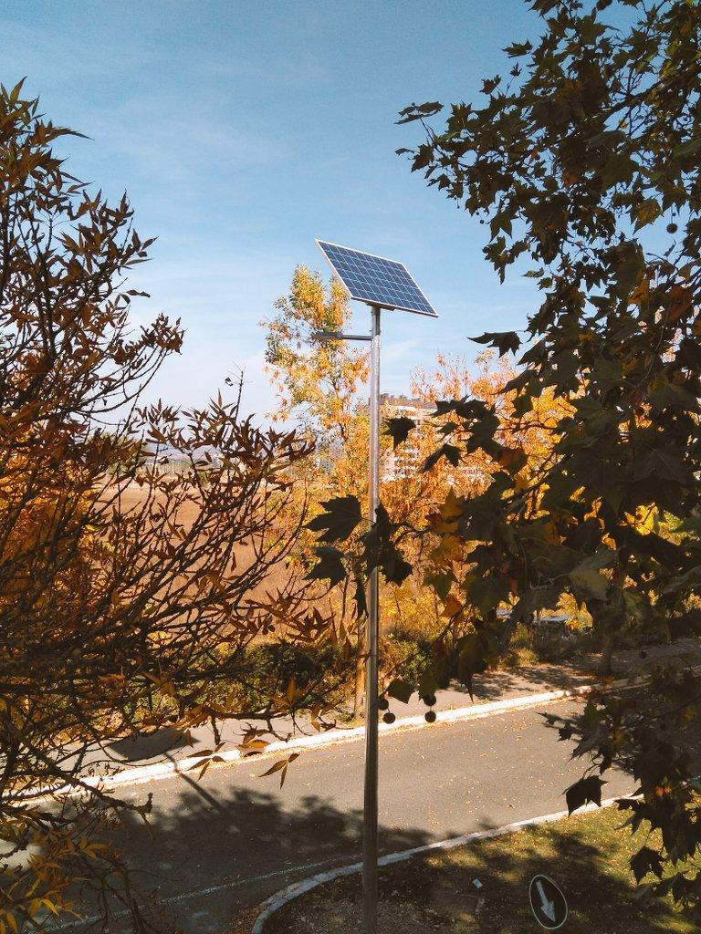 Farola solar instalada por el Ayuntamiento