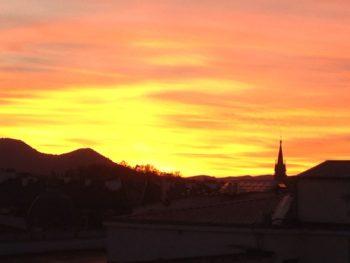 Fotos: Cielos rojos y naranjas en el amanecer y el atardecer de Vitoria-Gasteiz