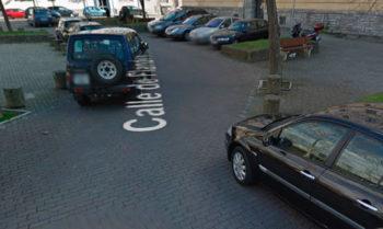 Multas en la Calle Flandes, donde los aparcamientos en zonas no habilitadas son habituales