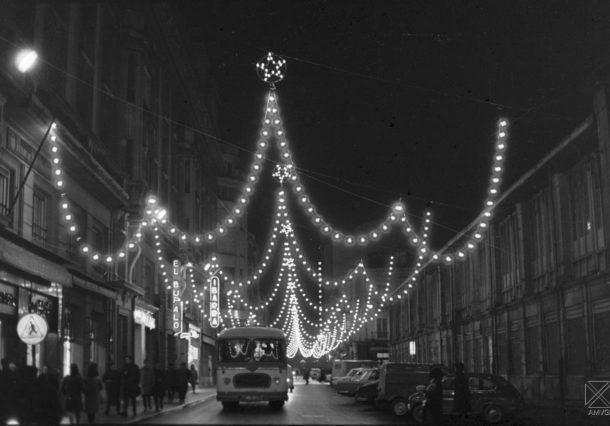 Navidad en blanco y negro: pintura para Baltasar, el escaparate de Kolkay y las luces en las calles