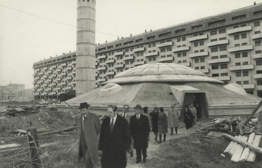 Visita de las autoridades a la central térmica entre las calles Chile y Argentina en 1974