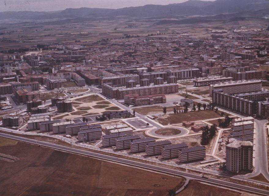 OT. Fotos de Vitoria y sus alrededores. (3) - Página 39 1975-879x642