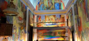 Antezana de Foronda: Una iglesia transformada en un gran mural de arte moderno