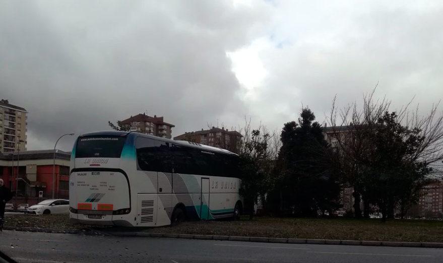 autobus rotonda jacinto benavente