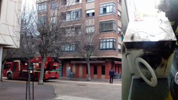 Una lavadora quemada provoca una intensa humareda en San Martín