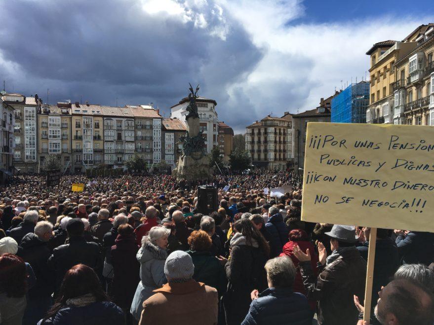 manifestacion por las pensiones en Vitoria-Gasteiz