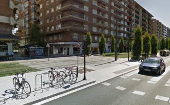 Herida una mujer al ser atropellada por una bici en un paso de peatones