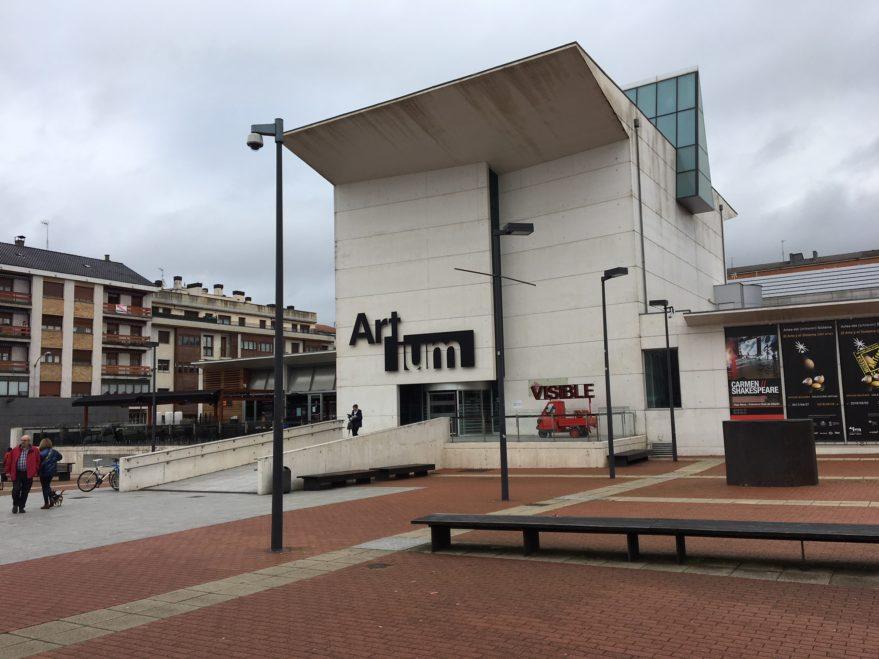 entrada principal museo artium